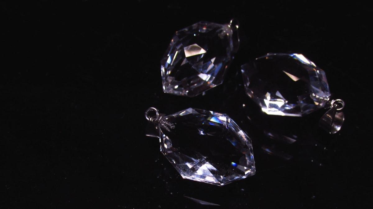 水晶ペンダント宝石質